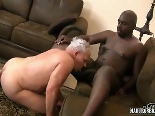 Grandpa and black man suck & fuck each other