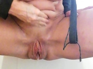 Homealone handmade selffistsession with squirting Part 3