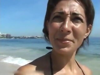 Fucking hard brazilian MILF I picked up on the beach