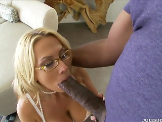 Mandingo is the Biggest Dick of Alanah Rae's big-tit Life