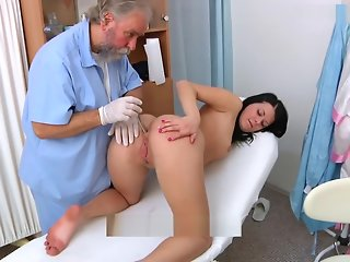 Rebecca gyno exam with bimanual,ultrasound,speculum and orgasm heartbeat