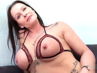 GERMAN SCOUT - MATURE JULIA SEDUCE ANAL AT STREET CASTING