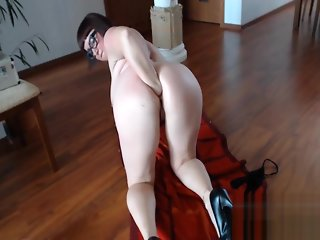 Chubby Brunette Slut Loves Fisting Herself