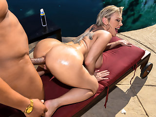 Dee Williams & Ricky Johnson in Backyard Banging - BRAZZERS